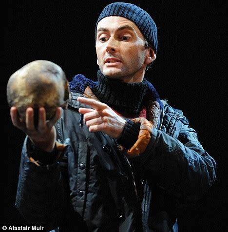 shakespeare hamlet modern pictures of dr who s david tennant as hamlet daily mail