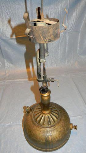 antique coleman stove   antique decor ideas