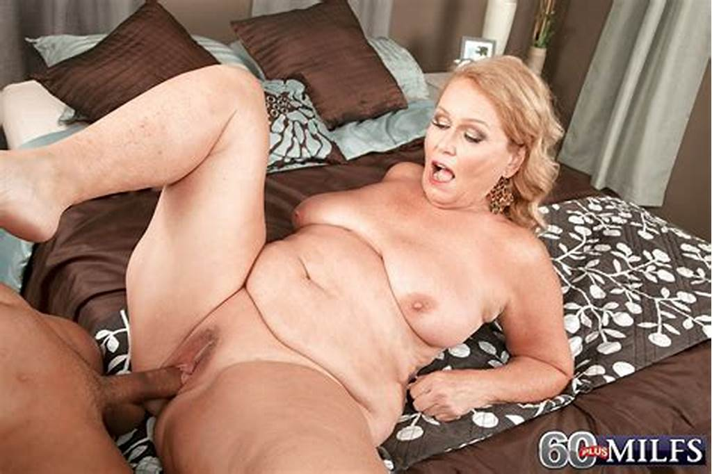 #Mature #Bbw #Alice #Exposing #Large #Saggy #Tits #Before #Giving