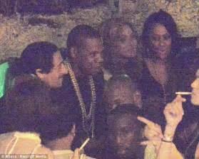 Hit Dance Floor by Jay Z Performs N S In Paris A Record 11 Consecutive