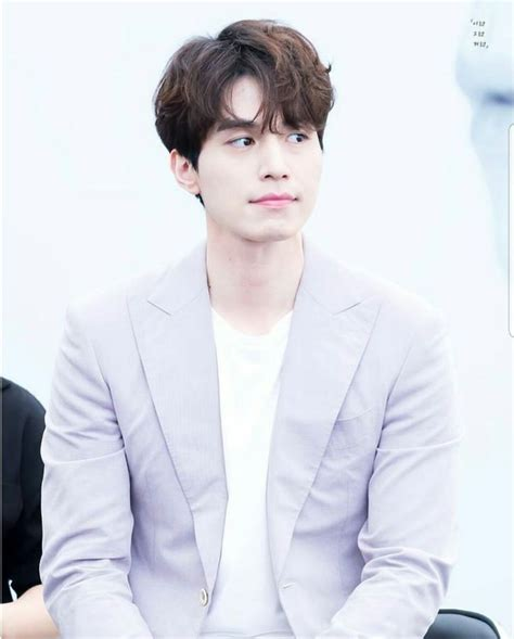 Who Is Lee Dong Wook Dating Currently?know About His
