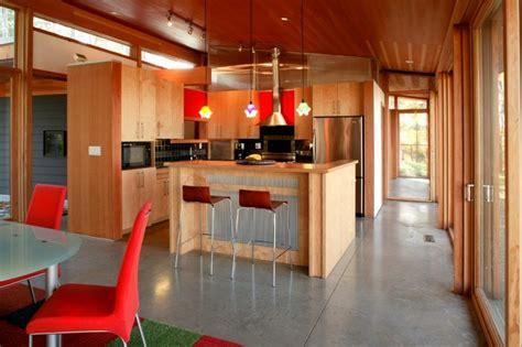 hotte de cuisine en anglais cuisine rustique contemporaine 50 idées de meubles en bois