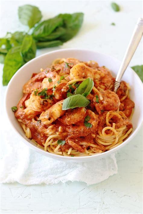 comment cuisiner les moules spaghetti aux crevettes sauce tomate cuisine culinaire