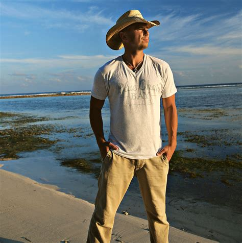 kenny chesney blue chair bay rum contest blue chair bay rum gives kenny chesney fans chance to win