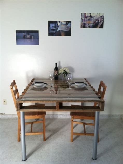 recouvrir meuble de cuisine table en palette 44 idées à découvrir photos