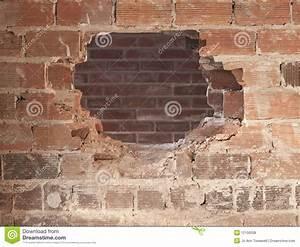 Loch In Der Wand : ein loch in der wand lizenzfreie stockfotos bild 12156008 ~ Lizthompson.info Haus und Dekorationen
