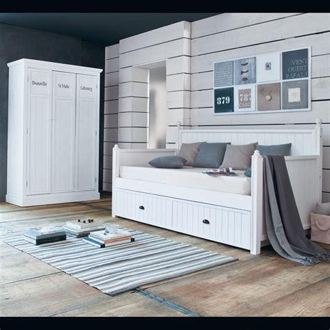 guardaroba maison du monde vestiaire en bois blanc l 125 cm newport maisons du
