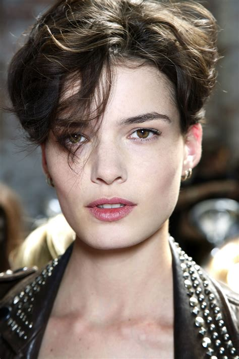 Short Hair: 8 Things to Know Before You Cut Your Hair ...