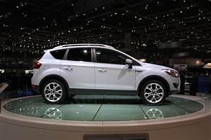 Ford Kuga 2010 : ford plans to unveil escape kuga crossover concept at detroit auto show carguideblog ~ Melissatoandfro.com Idées de Décoration