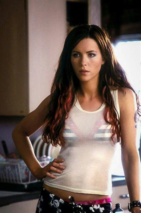 actress similar to kate beckinsale tiptoes kate beckinsale movie scenes pinterest kate