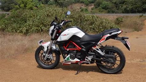 Review Benelli Tnt 25 by Benelli Tnt 25 Bike India Review