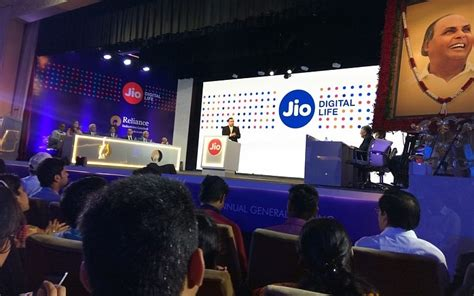 reliance jio tariffs rs 50 for 1gb 4g data all voice calls and roaming free technology in