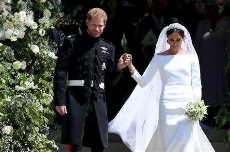 Markle Wedding Dress : Designer Already Copied Meghan Markle's Wedding Dresses