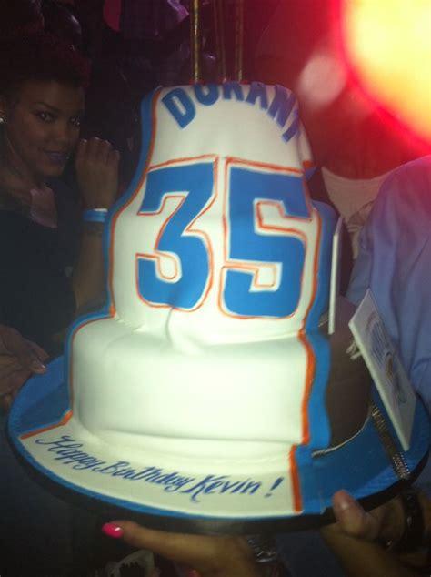 kevin durant celebrates birthday  miami  thunder