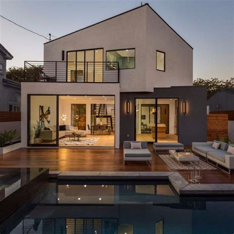 admiral house  los angeles featuring contemporary design