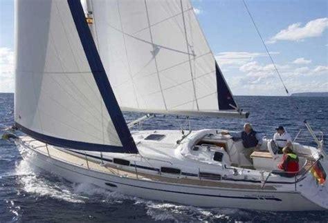 Zeiljacht Les by Bavaria 33 Cruiser 2007 Zeilboot Huren Enjoy Sailing
