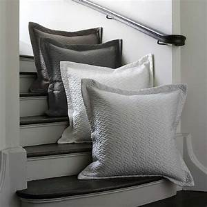 Discontinued Dransfield and Ross House Vannerie Bedding ...