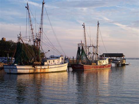 Shrimp Boat Hours by Shrimp Boats At Sunset Shem Creek Park In Mt Pleasant Sc