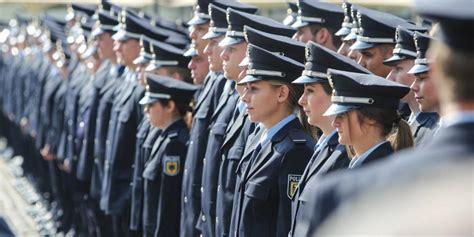 ausbildung köln 2019 l 252 beck feierliche vereidigung 500 bundespolizisten starteten in ihre ausbildung ln
