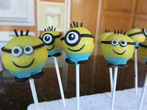 Wilton Cake Decorating Classes by You Have To See Minions Cake Pops By Elaine Truong