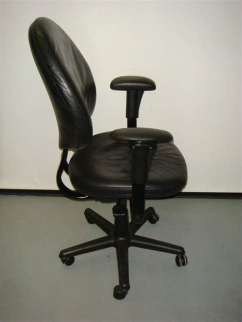 backwards l shaped desk steelcase criterion task chair used office furniture