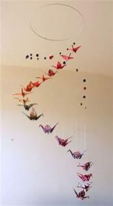 Mobile Chambre Bébé : 17 best images about d coration chambre b b avec origamis on pinterest origami cranes ~ Teatrodelosmanantiales.com Idées de Décoration