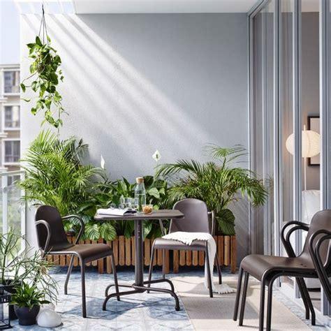 petit balcon meubl 233 avec une table pliante brun fonc 233