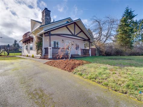 Dog-friendly Port Angeles Home With Lovely Gardens