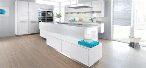 quelle couleur pour votre cuisine 233 quip 233 e cuisine blanche cuisine ou orange