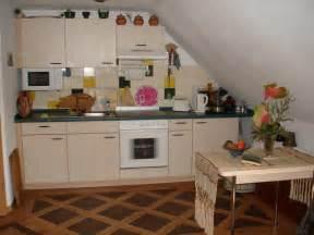 küche mit schräge küchen sideboard nach maß planen schrankplaner de regarding wunderbar küche mit schräge