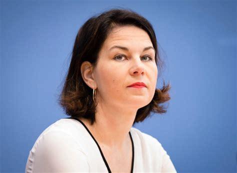 Vier wochen vor der bundestagswahl kritisiert auch die grüne kanzlerkandidatin annalena baerbock die linke. Annalena Baerbock Fotos - Bilder von Annalena Baerbock | Getty Images