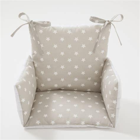 coussin pour chaise haute coussin chaise haute étoiles beige cocoeko