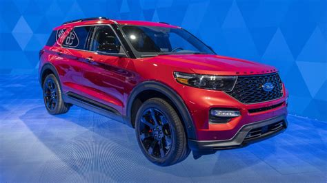 ford explorer st explorer hybrid revealed  detroit
