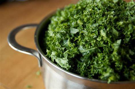 comment cuisiner le choux chinois le kale comment cuisiner ce chou frisé madmoizelle