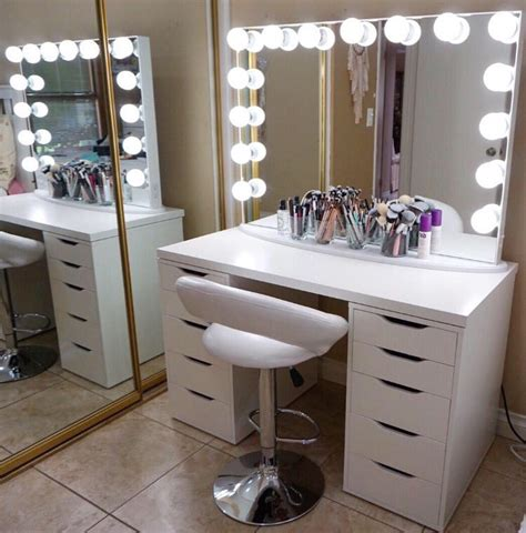 best light bulbs for makeup vanity the best lighting for flawless makeup application