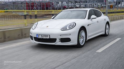 porsche sedan 2015 new 2015 porsche panamera specs review and price