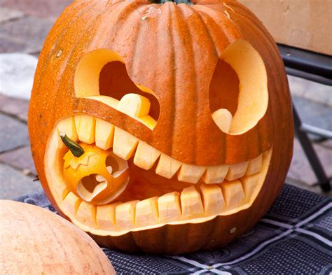 easy pumpkin easy halloween pumpkin carving ideas