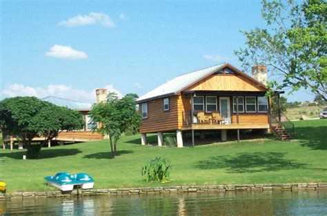 waterfront cabin rentals in lake lbj cabin rentals vacation homes for rent lake lbj