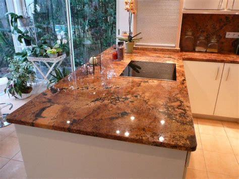 plan de cuisine granit cuisine plan de travail en lot de cuisine classique