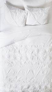 INT WHITE BEDSHEETS SMALL #EpisodeInteractive #Episode