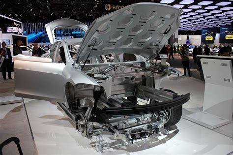 2012 Tesla Model S Body-in-white, Size
