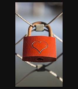Love Lock HD Wallpaper For Your iPhone 6