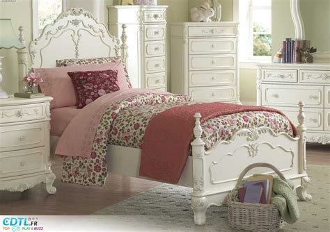 decoration chambre fille  ans bebe confort axiss