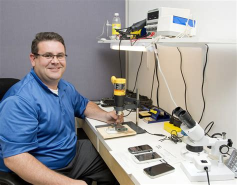 places that fix phones entrepreneur turns ham radio skills into cellphone repair