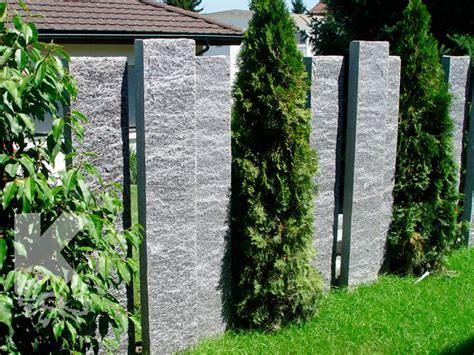 Zu jedem zaun finden sie bei uns das passende tor, in der passenden. 110_Granitstehlen.jpg (700×525) | Sichtschutzwand garten, Sichtschutz garten, Stelen garten