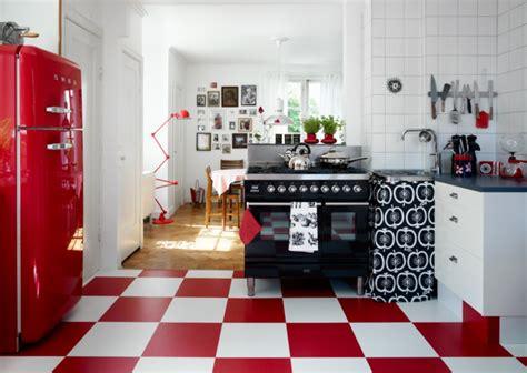 Weiße Wände Aufpeppen by K 252 Chendeko 22 Tolle Ideen F 252 R Deko Im Pop Stil