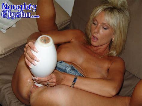 Gaping Mama Takes A Bowling Pin Mature Xxx Pics