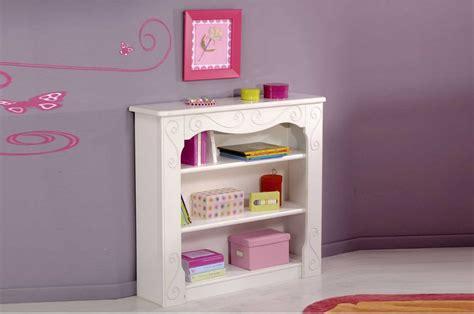 bureau fille pas cher cuisine un meuble pour enfant dans le but de partager une