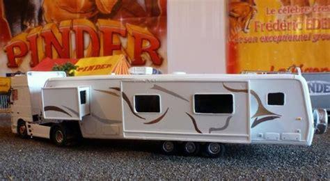 je serai absente du bureau caravane maquette cirque pinder lave 28 images