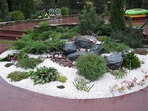 Weiße Steine Garten : pflanzen f rs kiesbeet 15 tipps f r bepflanzung und pflege ~ Lizthompson.info Haus und Dekorationen